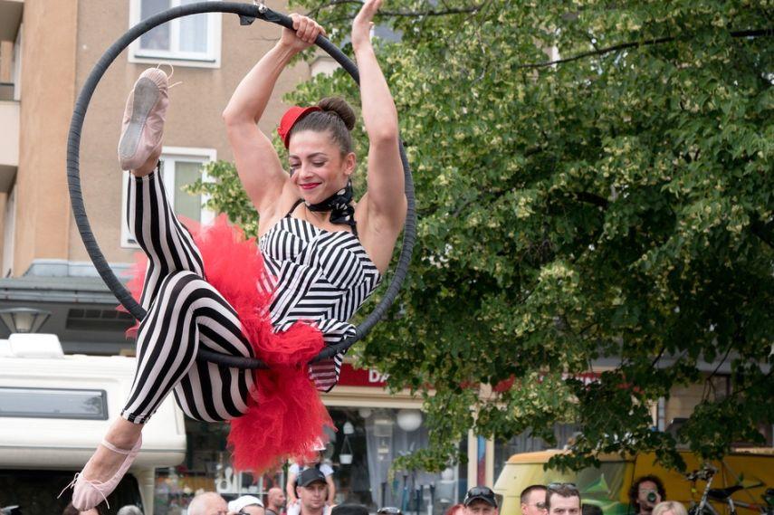 Артистам костромского цирка предложили устраивать представления на улице