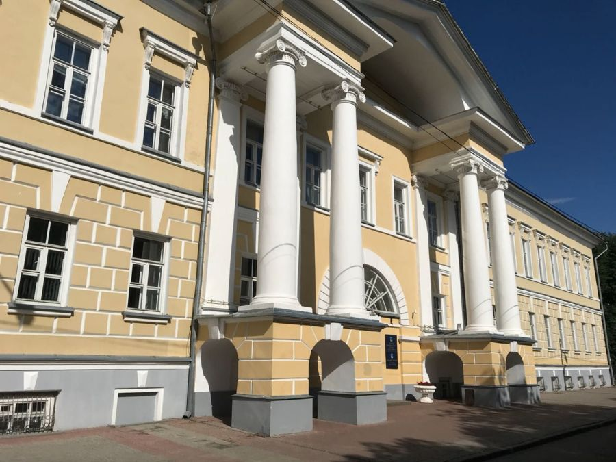 Костромские чиновники ответят за споткнувшегося на крыше ребенка