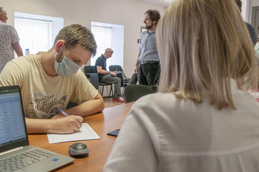 Независимый кандидат Михаил Долматов открыл в Костроме штаб по сбору подписей