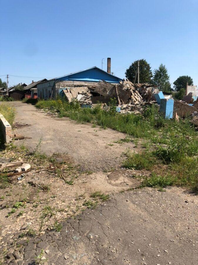 Бетонная плита в Костромской области упала на двух маленьких детей
