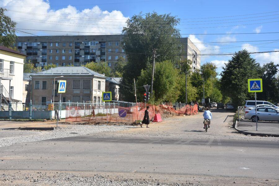 Один ремонт мешает другому на Рабочем проспекте в Костроме