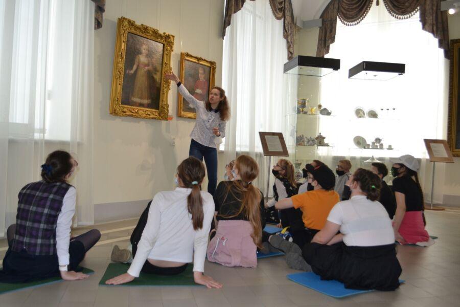 Стал известен список музеев, куда костромская молодежь пойдет на деньги от президента