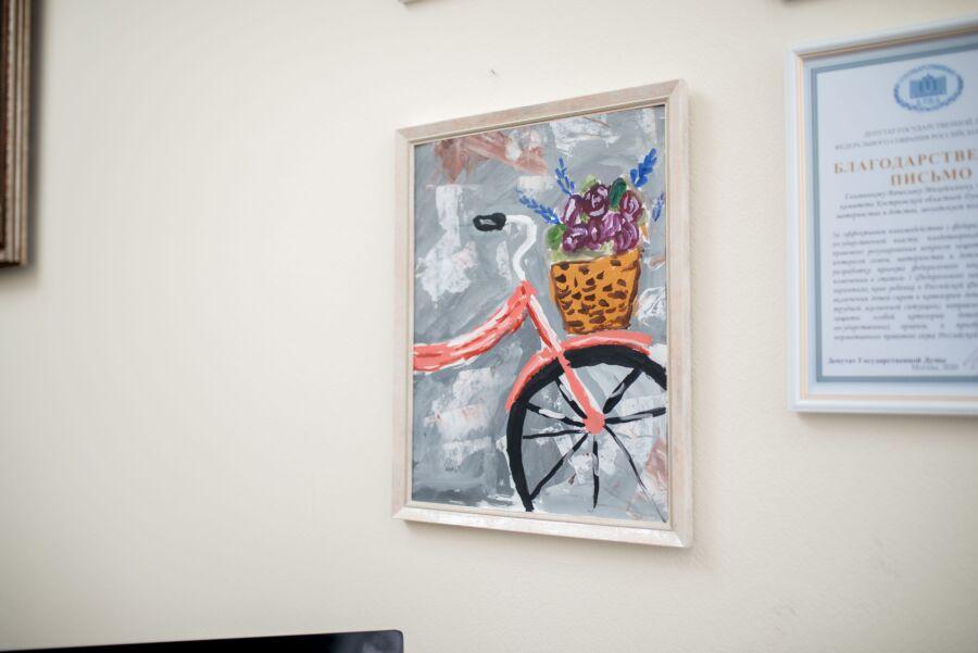 Депутат областной думы рассказал, что у него в кабинете делает велосипед