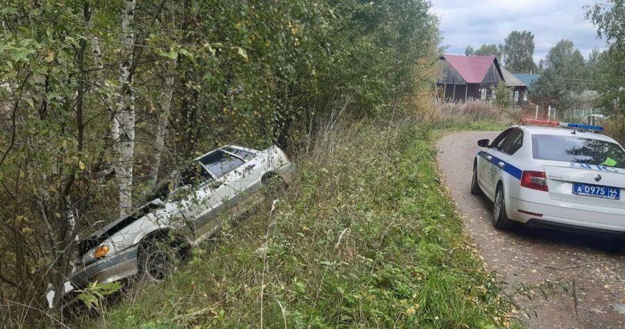Два человека погибли в жуткой аварии под Костромой