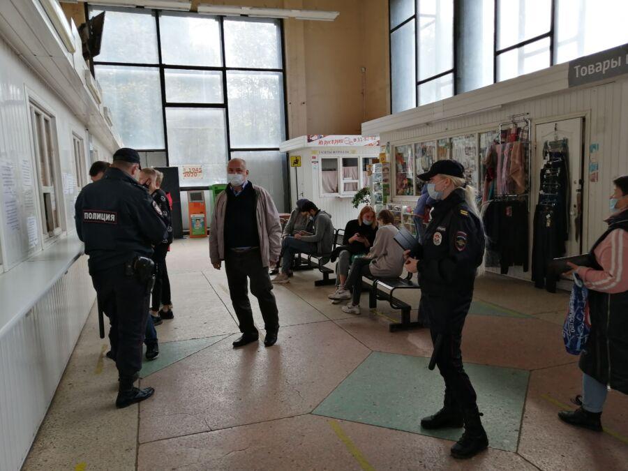 Парикмахерская в Костроме решила не спасать клиентов от коронавируса
