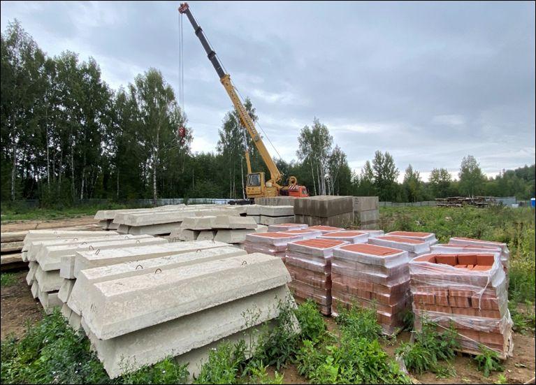 Рядом с новой школой в Костроме раскопали огромную яму